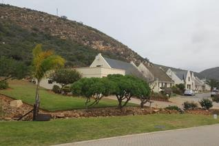 This level stand is situated in a small popular estate in Mosselbay.  This bargain ...