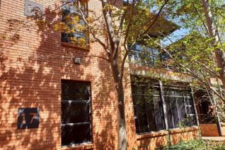 Prime Office Space For Sale in Die Hoewes, Centurion.   It is close to the Jean Avenue ...