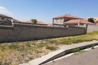 Vacant land    918 sq2  in a stunning area at model park