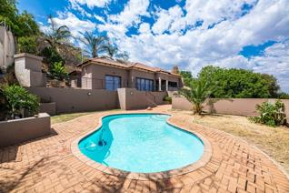 Based in the heart of Glenvista, Johannesburg South boasting a vast land size of ...