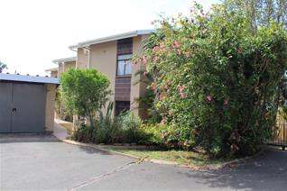 Situated in a good area of Sea Park, only a few kilometres to Umtentweni beach and Port ...