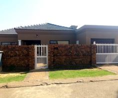 House for sale in Pimville Zone 4