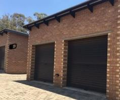 Townhouse for sale in Glen Marais