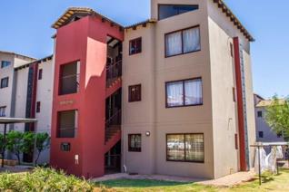Often spoken about but never available, 2 Bed 2 Bath Top Floor apartment, 57m².   2 x Bedroom 2 x Bathroom unit with high ...