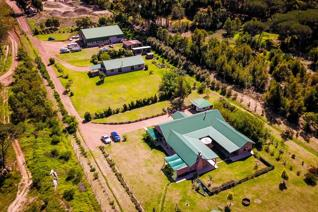 This lovely 15,500m2 plot boasts 2 homes and a large warehouse all in top condition.  The large main house comprises 4 big bedrooms, an ...