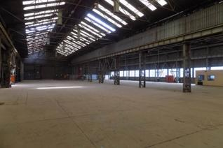 3256m2 with overhead cranes and access ...