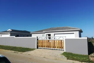 A newly build 190m² Home ready for you to move into.