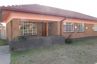 Pullenshope house for sale in  pullenshope middelburg area.  Don't rent and rave!  Buy and save!   Make the decision now and ...