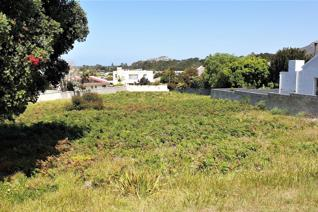 Design and build your dream home on this lovely vacant stand of 822 square meters ...