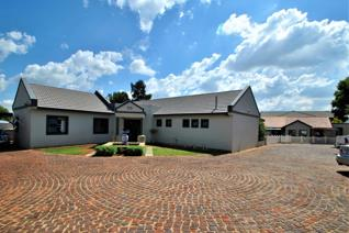 Ideal to run a business.   Situated on Hennie Alberts Road.