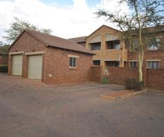 Apartment / Flat for sale in Mooikloof Ridge