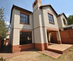 Townhouse for sale in Country View Estate