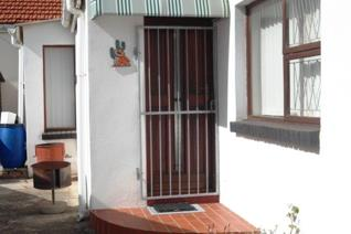 Glendinningvale a secure garden cottage has a lounge/kitchen one bedroom en ...