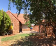 House for sale in Roylglen Gardens