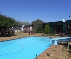 House for sale in Hillside