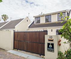 Townhouse for sale in Somerset West Central