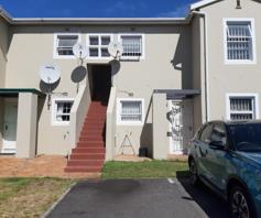 Apartment / Flat for sale in Kenilworth