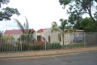 Very neat 3 bedroom house for sale in popular Panorama with scenic views on the ...