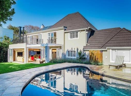 Find a home along Cape Town's prestigious 'school belt'