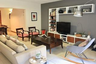 3 Bedroom Furnished townhouse For Rent in Rosebank