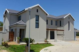 Graanendal Security Estate homes to let Lovely modern, open plan with wood laminated ...