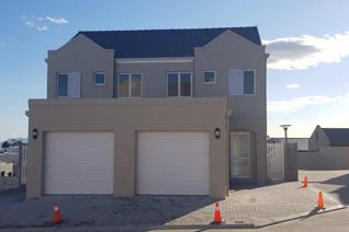 New Development in Woodhurst Security Complex situated in Sauvignon Street, Protea Heights, Brackenfell  2 x bedrooms upstairs with ...