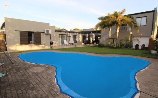6 Bedroom House for sale in Flamingo Vlei
