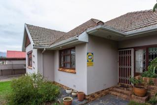 This home is situated in one of the older and more established areas of Central Paarl ...