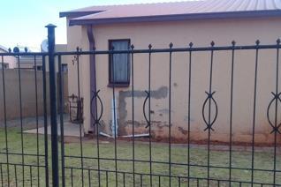 This property is situated in Glenridge Protea Glen Ext 16  Comprises of :  3 bedrooms bathroom kitchen Burglar fence