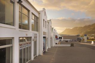 Prime location in the middle of the new industrial area of Hermanus. A rare find on the ...