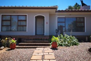 Going on Auction: Wednesday 27 November 2019 at 12 Noon Reserve Price: R 2.15 mil(All offers will be reviewed) (10% Commission plus VAT ...
