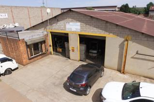 Commercial space for sale in Benoni Central  Spacious factory measuring at 1.200 sqm ...