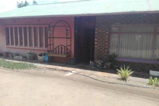 Are  you looking for property in quite area then this one is the one . Property is situated near schools, Hospitals and walking dis ...