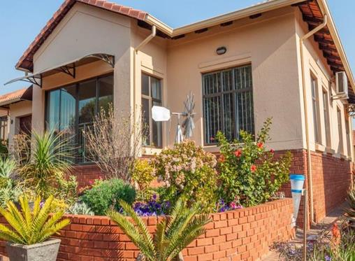 Retire to the country: 9 estate homes from R552k to R2.245m