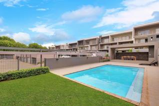 A magnificent Modern North facing simplex apartment. The architectural design, fully ...