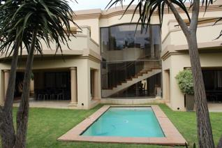 Eagle Canyon 4 Bedroom House in a secure Golf Estate with swimming pool and spacious pet ...