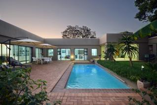 Inviting buyers from R4m - R4.5 to view and negotiate!  Contemporary home offering ...
