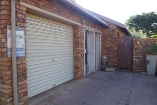 Extremely well maintained and looked after unit in a security complex within Rooihuiskraal North.  Both sun-filled and spacious ...