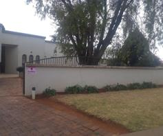House for sale in Lennoxton