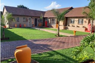 4 bedroom house, 3 bathrooms of which 2 are en suite, entertainment area, built in ...