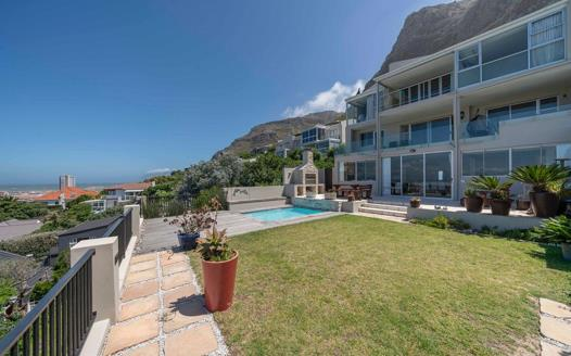 3 Bedroom Townhouse for sale in Muizenberg
