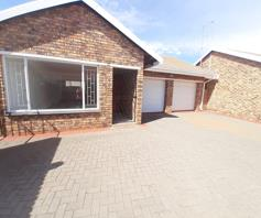 Townhouse for sale in Arcon Park