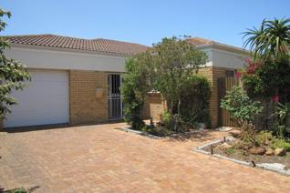 A spacious 2 bedroom home in Klaradyn retirement village Brackenfell This home in ...