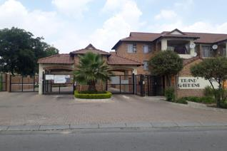 Beautiful 1st floor 2 Bed 2 Bath upmarket apartment for sale in Noordwyk. The unit has ...