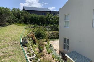 SHORT TERM RENTAL : 10 January - 30 November 2020 at R12 000 per month excluding water ...