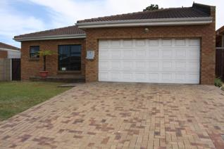 19 Panorama Street, Protea Heights, Brackenfell  Facebrick house 3 bedrooms  in save ...