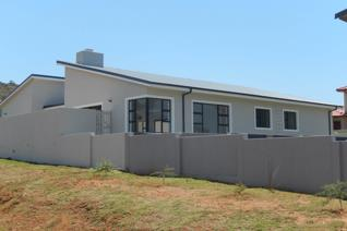 This Brand new home is situated in the very popular Eco-Estate, just 4 kilo's out of Hartenbos.   Easy access also to the N2, which ...