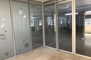This well maintained building has offices to let in Gardens with 24 hour security and ...