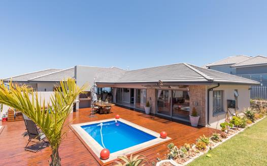 3 Bedroom House for sale in Village On Sea
