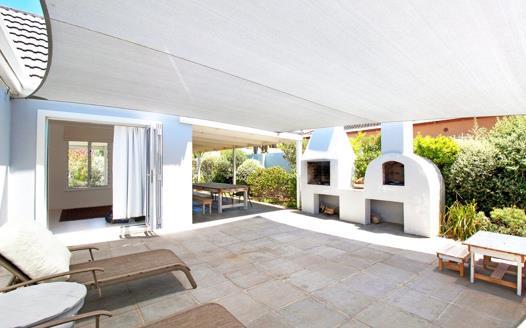 3 Bedroom House for sale in Kommetjie